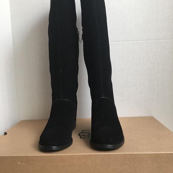 d96872cb77a New UGG Women Gracen Boots. NWT